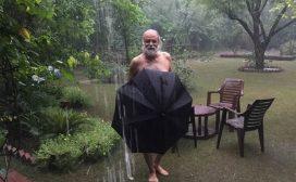 राजनीतिबाट टाढा रहेका विपि कोइरालाका भतिजको वर्षा मोह, बलिउड हिरोइनको शैलीमा भिजे